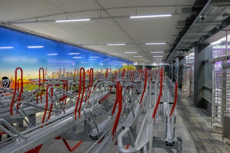 inhuldiging van metrostation Beurs: Op verschillende plaatsen zijn er fietsstallingen voorzien.