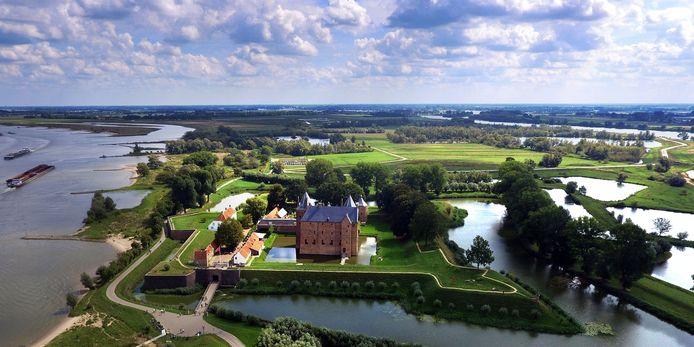 Slot Loevestein kan op 1 juni weer open, maar voert wel aanpassingen door vanwege het coronavirus.