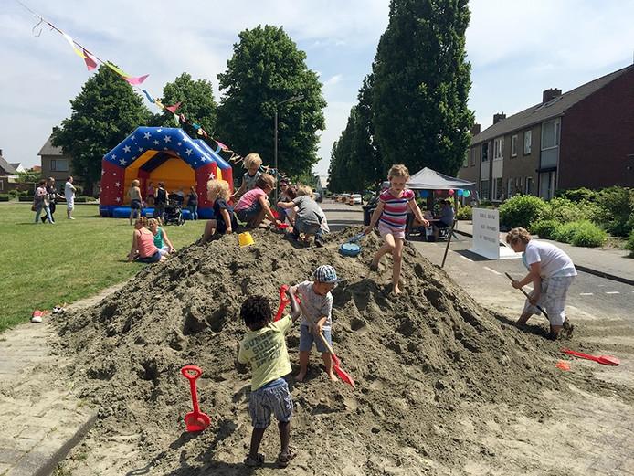 De nationale buitenspeeldag is een groot succes in Heerle