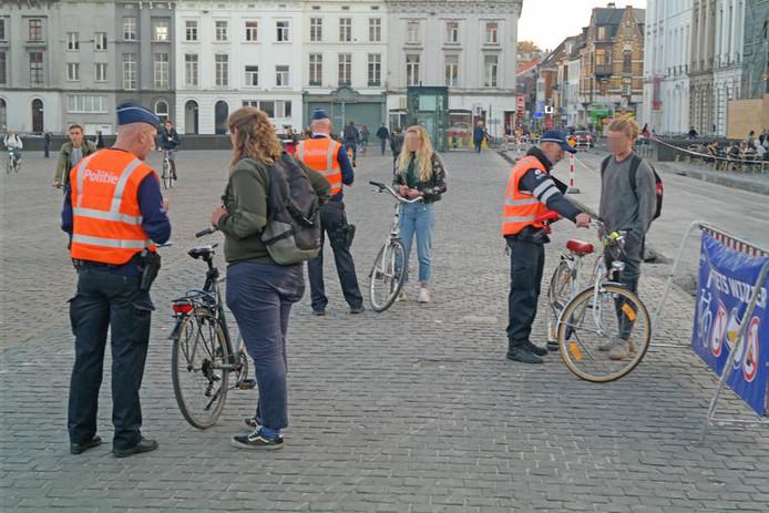 Een fietscontrole van de Gentse politie