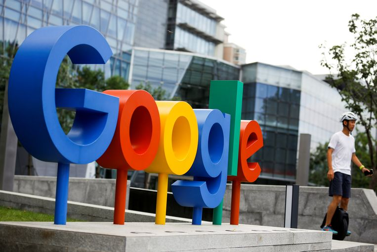 Het logo van Google op een regionaal hoofdkantoor in Peking, China.