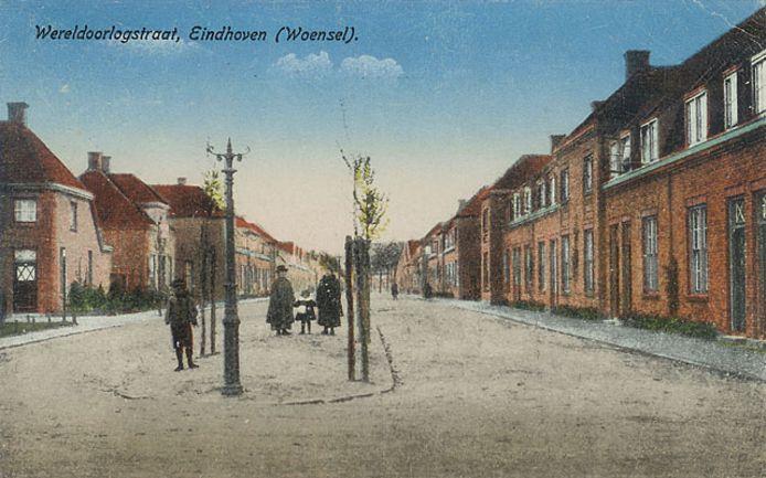 Ansichtkaart van de Wereldoorlogstraat in Eindhoven
