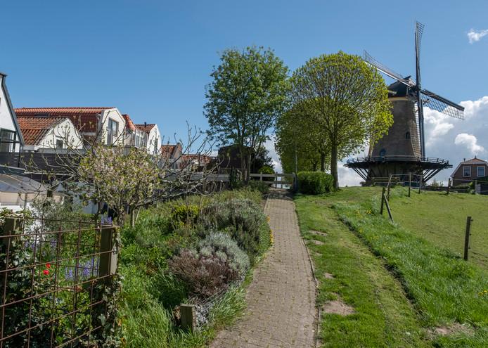 Uitzicht op molen Den Haas aan het Bolwerk.