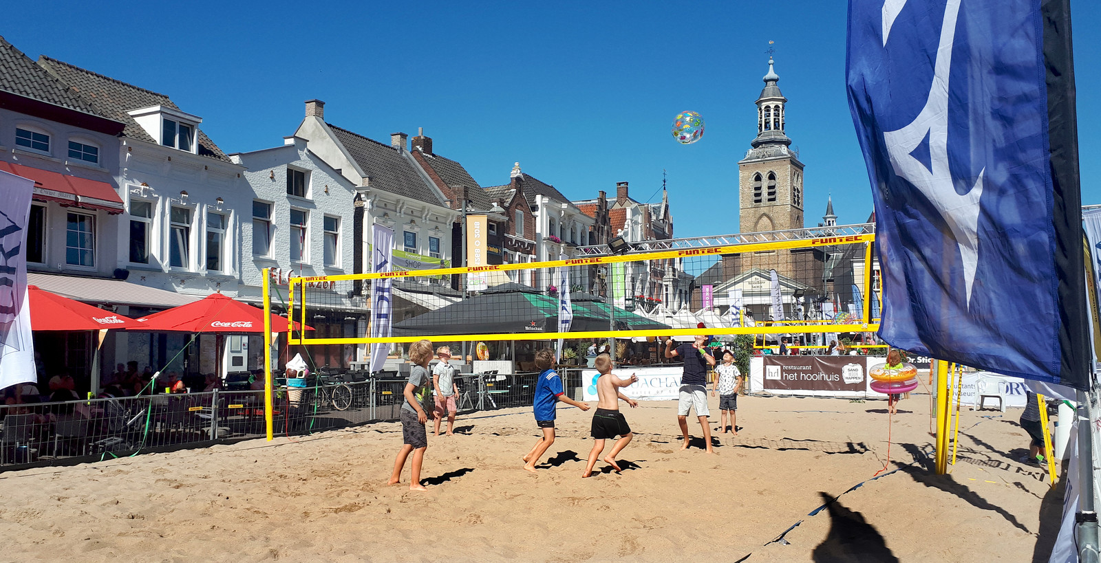 Prima weer voor beach events in Wouw en Roosendaal, op de foto de Markt in Roosendaal.