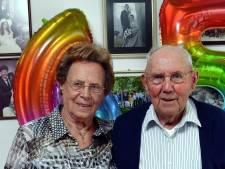 Jot, na 67 jaar zit het nog steeds goed met de liefde tussen Marie en Kees uit Schijf: 'Die duivensoep hè'