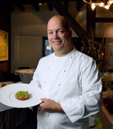 Sterrenkok Jarno Eggen uit Staphorst kookt in Arena voor voetballers, artiesten en zakenmensen