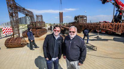 'Oplegger' van Wim Delvoye pronkt op Middelkerkse zeedijk