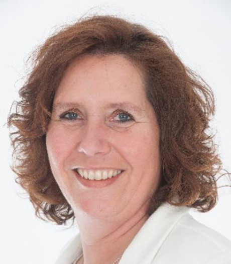 Nieuwe raadsgriffier in Alphen-Chaam: Jolanda Honcoop-van der Wulp