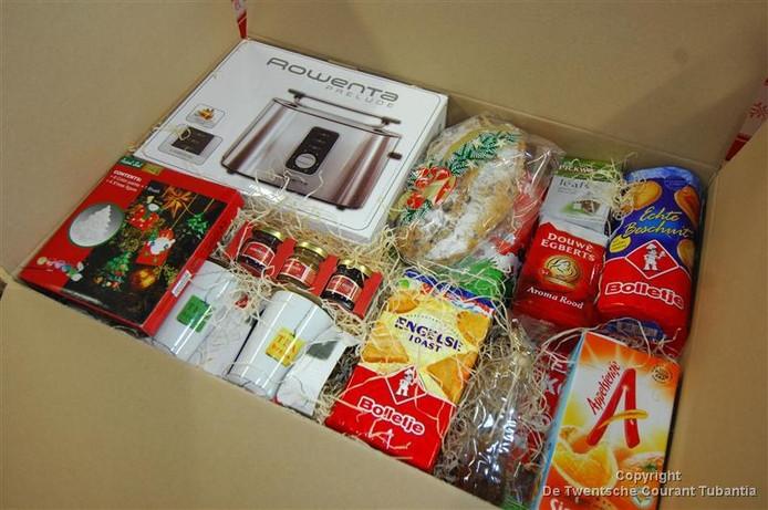 Een werkgroep blijft kerstpakketten maken voor Twentenaren die al jaren onder de armoedegrens leven