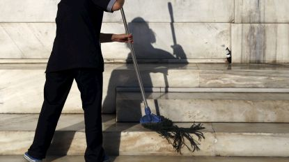 Ze poetste tot 20 uur per dag in Britse school en kreeg geen cent: de moderne slavernij die niemand zag