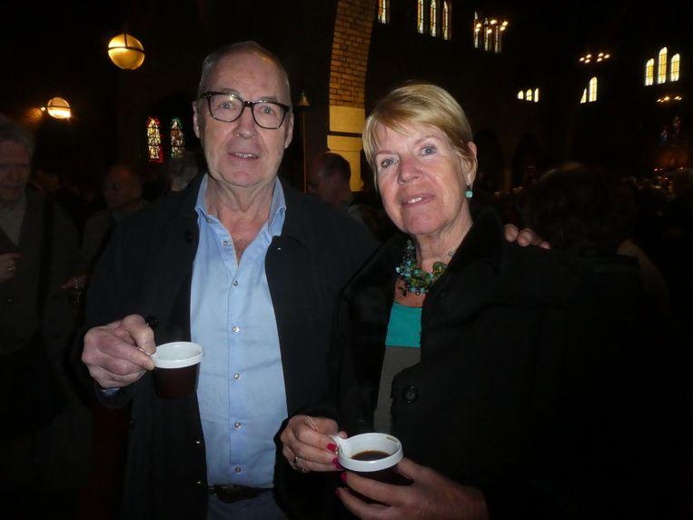 Patissier Cees Holtkamp: 'Ik ben een katholieke jongen, op zondagochtend ben ik hier graag.' Met zijn vrouw Petra Holtkamp. Beeld Hans van der Beek