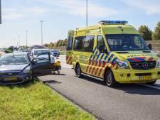 Bestuurder gereanimeerd door voorbijgangers na onwelwording op A16 bij Prinsenbeek