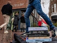 Nieuws gemist? Een boekwinkeloorlog in Deventer en Akwasi haalt zich woede van NPO1 op de hals. Dit en meer in jouw overzicht