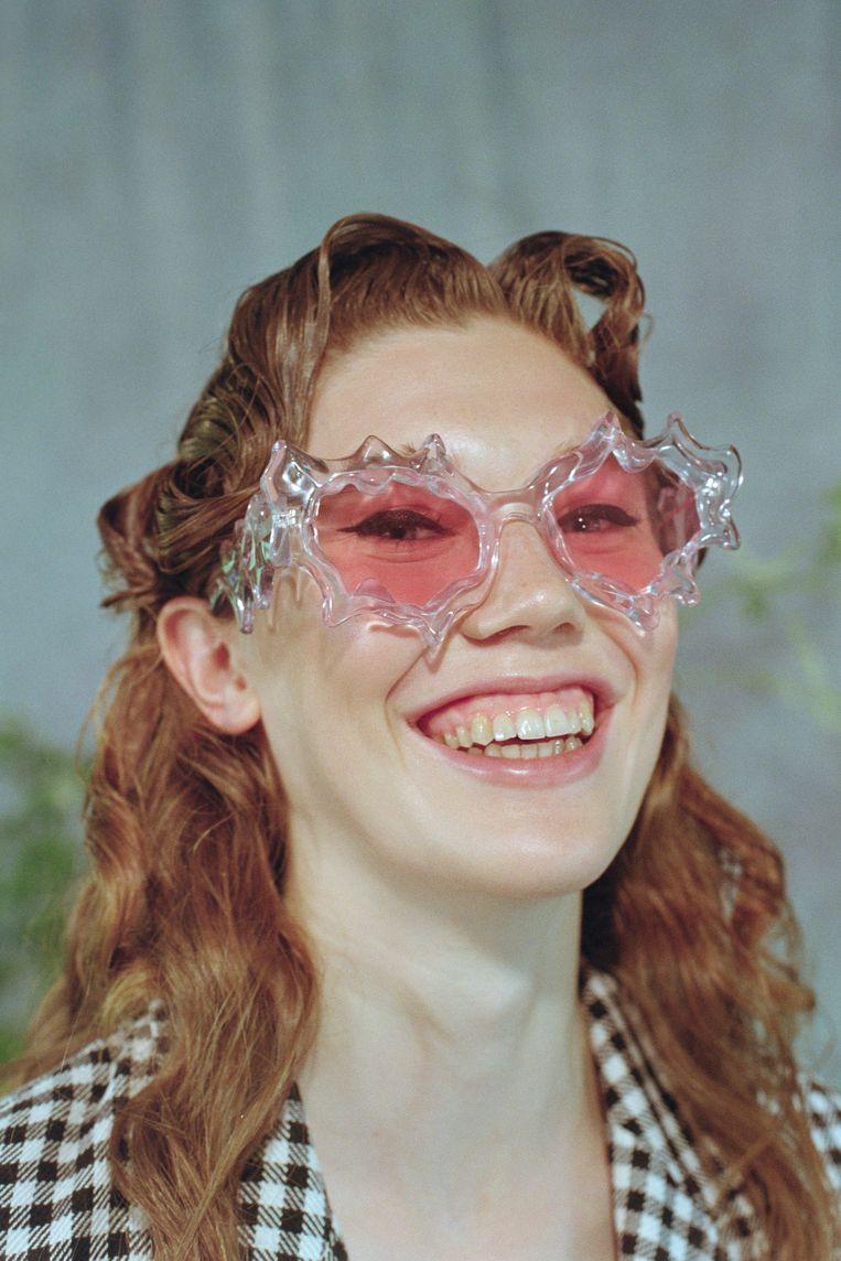 Deze zonnebril werd ontworpen door masterstudent Florentina Leitner.