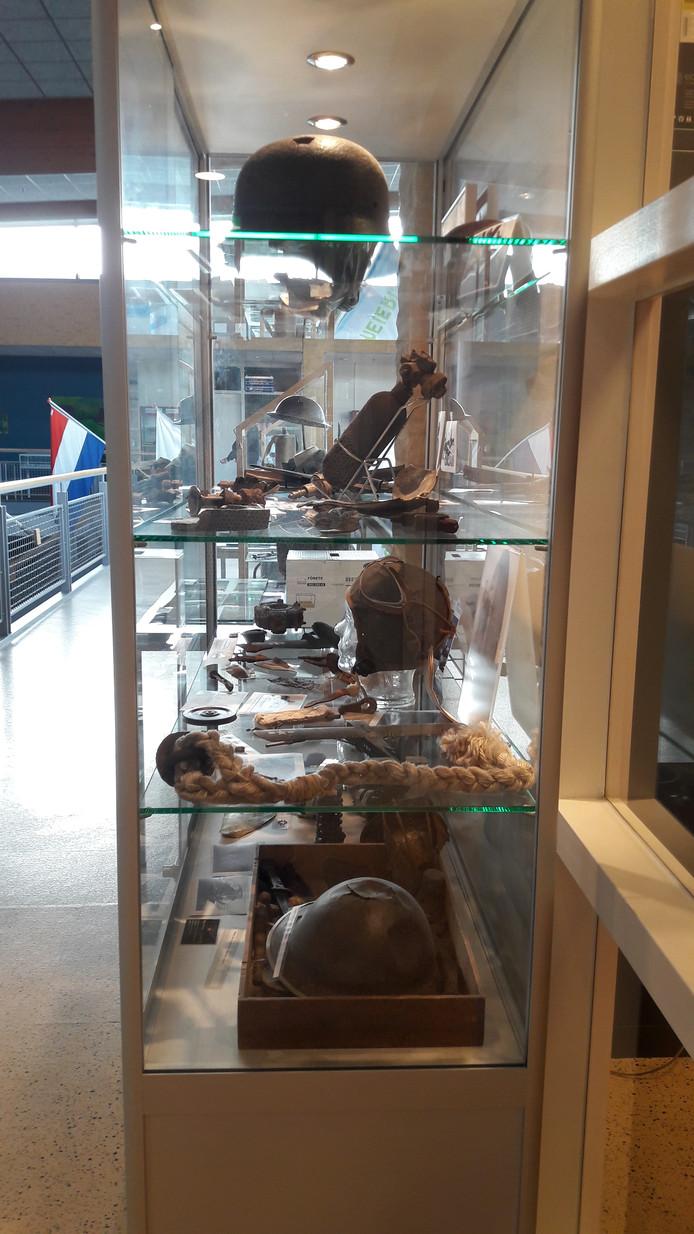 Heemkundekring Schijndel opende woensdag de expositie 75 Jaar bevrijding.