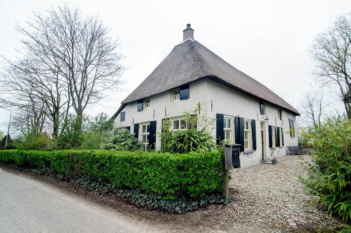De monumentale boerderij Munnikwoerd aan de Woerdsestraat in Altforst is gebouwd op de plek waar ooit een vrouwenconvent stond.