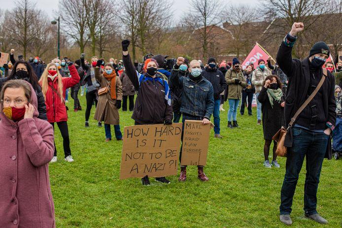Voor de demonstranten in het Westerpark waren vijfhonderd plekken gereserveerd – het bleek ruim voldoende.