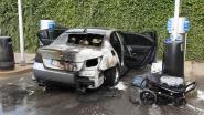 Auto gaat in vlammen op tijdens stofzuigen