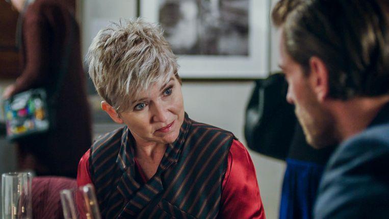 In 'Familie' lijkt Guido te zwichten voor het aanbod van Griet (Andrea Croonenberghs): veel geld in ruil voor één nacht seks.