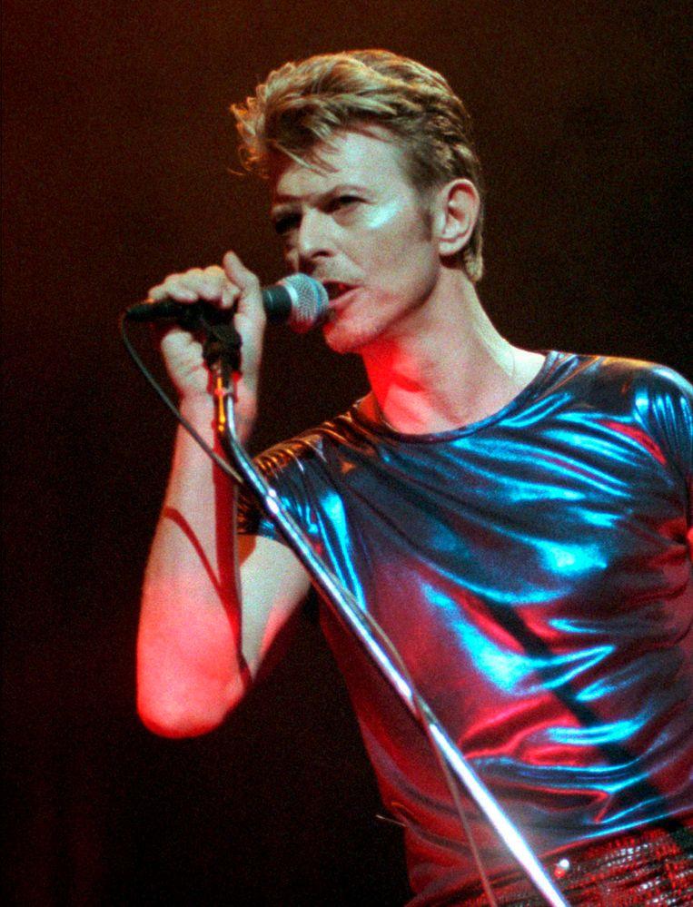 Bowie tijdens een optreden in Connecticut in 1995. Beeld ap