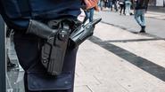 Agent schiet zichzelf in been tijdens oefening