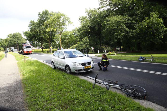 De voorruit van auto raakte bij het ongeluk ook flink beschadigd.