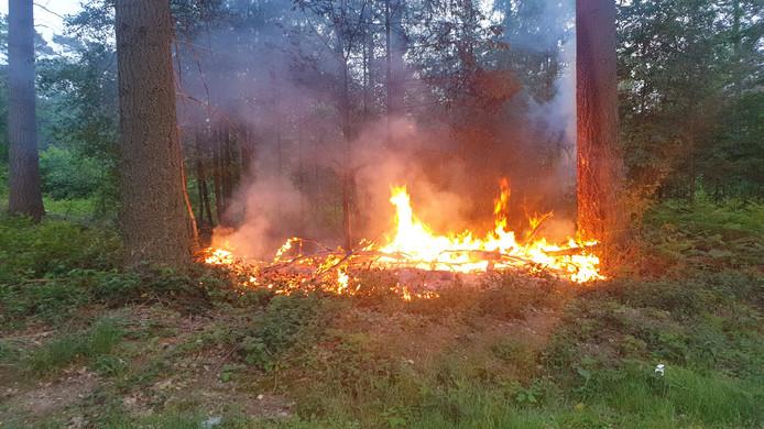 Brand langs de Nijmeegsebaan in Groesbeek.