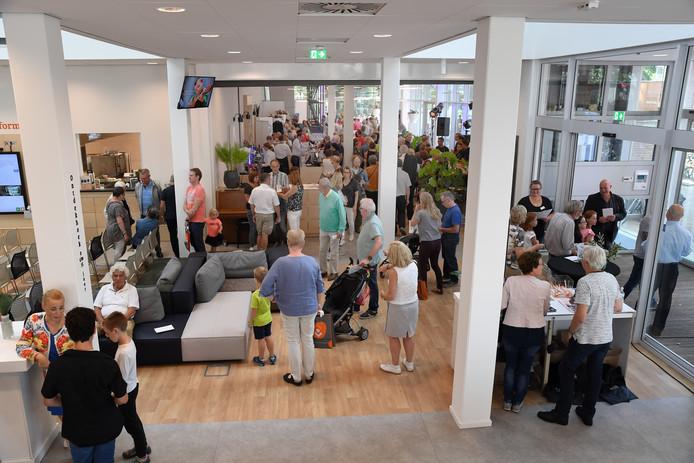 De open dag van de nieuwe Cammeleur vorig jaar. In het multifunctionele gebouw is ook de bieb gevestigd.
