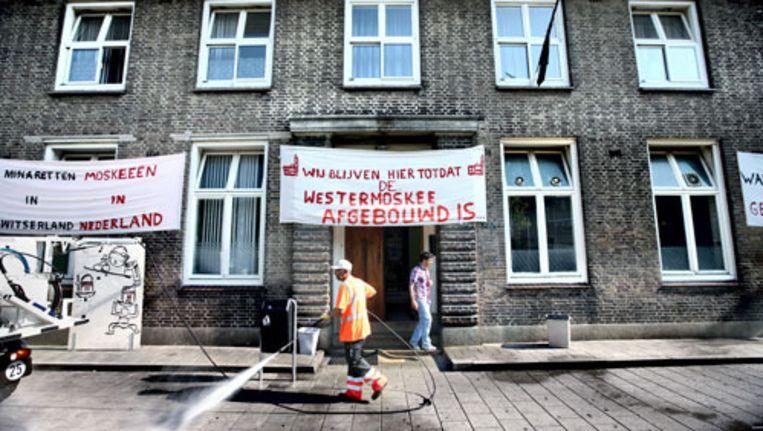 Archieffoto van het verzet tegen de ontruiming van de nood-Moskee. Foto Jean-Pierre Jans. Beeld