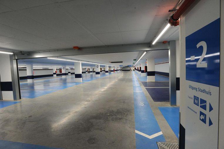 De ondergrondse parking in Vilvoorde geraakt amper gevuld.