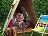 Michiel en Maria toveren je achtertuin om tot camping - mét animatieteam, als je wilt