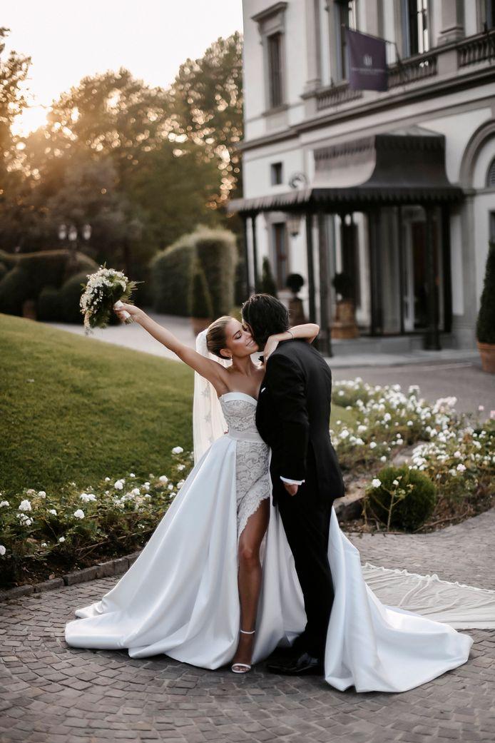 Sylvie Meis en Niclas Castello stralen op hun officiële trouwfoto's.