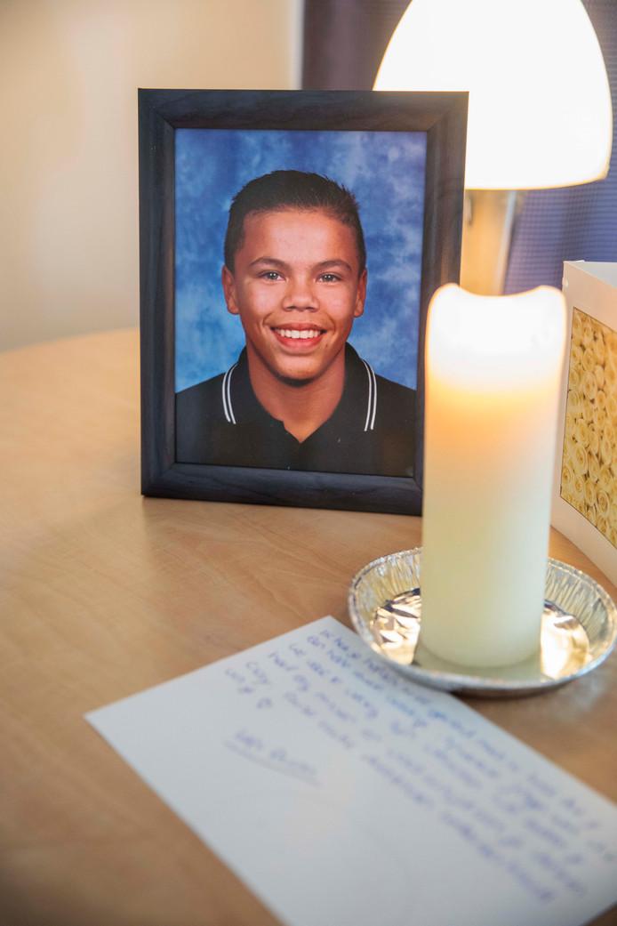 Een foto van Clay Haimé op de herdenkingsplek