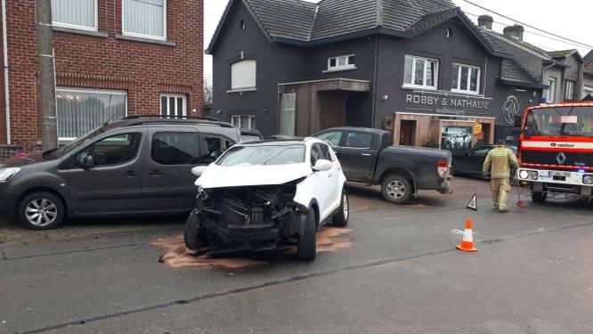 Vier wagens in de prak na zware klap in Vlierstraat: één bestuurder lichtgewond