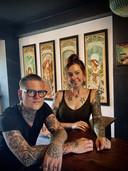 Ines Gevaert en Dagmar Verfaillie van The Liner Arthouse in Roeselare.