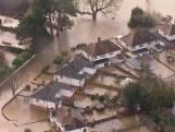 Dronebeelden van hevige overstromingen in Engeland door storm Dennis