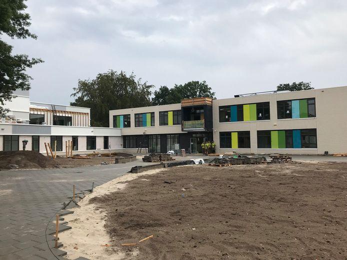 IKC de Avonturier aan de Lidwinastraat is bijna klaar. Maandag 20 augustus opent de nieuwe school.