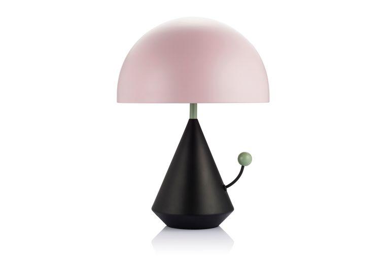 Een klein tikje op het groene bolletje van de 'Dali Divina'-lamp is al voldoende om 'm te doen branden, € 598,95. maisondada.com Beeld null