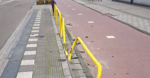 Dronken automobilist rijdt na 'bizar' ongeval door in Waalwijk: 'Gelukkig stond er niemand bij de bushalte'.