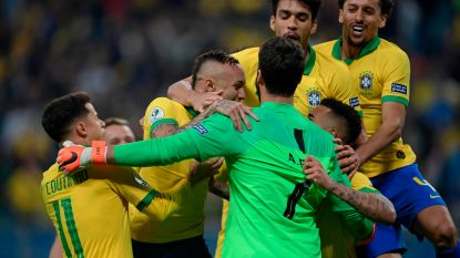 VIDEO. Met de hakken over de sloot: Brazilië mist pak kansen, maar staat na strafschoppen wel in halve finale Copa América