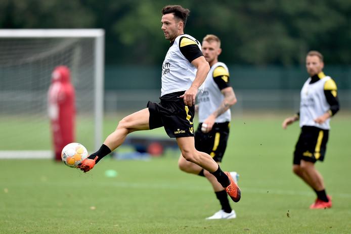 Bruns op de training bij Vitesse.
