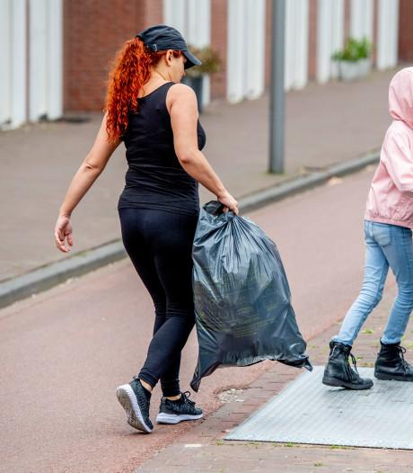 Definitief besluit over kosten afval Rivierenland: volle zak gaat een euro kosten