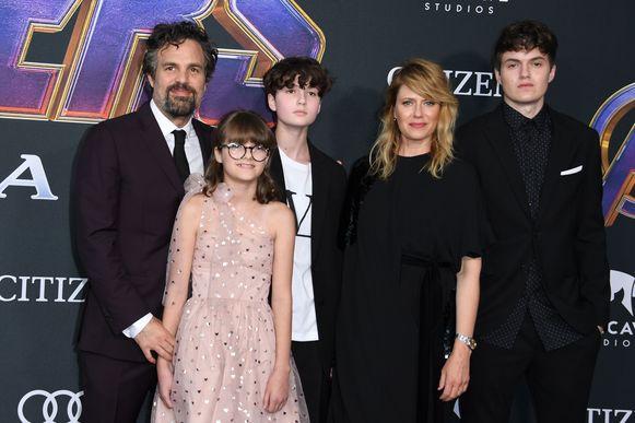 Mark Ruffalo met zijn familie: Odette Ruffalo, Bella Ruffalo, actrice Sunrise Coigney en Keen Ruffalo.