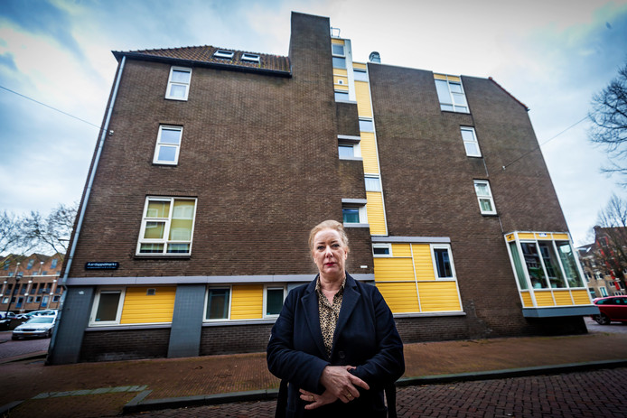 Wilma Geerts klaagt over een muur