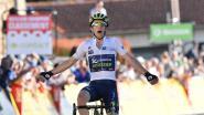 Simon Yates soleert naar ritwinst in zesde etappe Parijs-Nice, Alaphilippe nog steeds in het geel