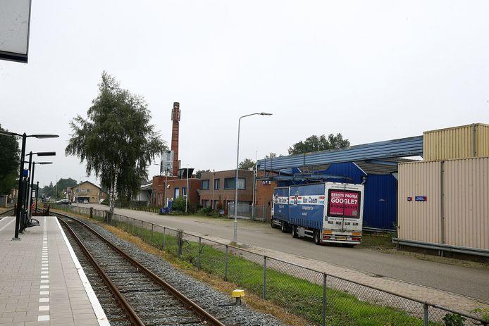 De leegstaande bedrijfshallen van Kalverslachterij Aalten en Te Paske.