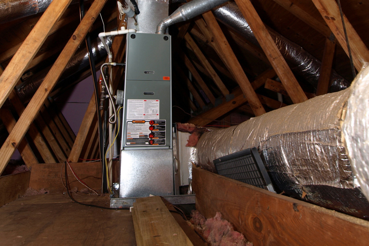 Een ventilatie-systeem met warmte-terugwin-installatie.