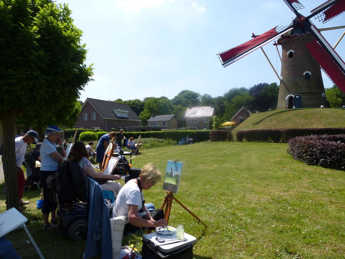 De succesvolle buitenschilderdagen bij molen De Hoop krijgen een breed vervolg met Kunstparel 2020.