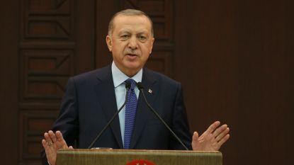 """Nergens anders stijgt aantal besmettingen met coronavirus sneller dan in Turkije: """"Ik heb nog nooit zo veel graven zien gedolven worden"""""""