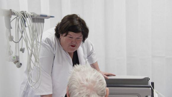Maggie De Block loopt een dag mee in het ziekenhuis
